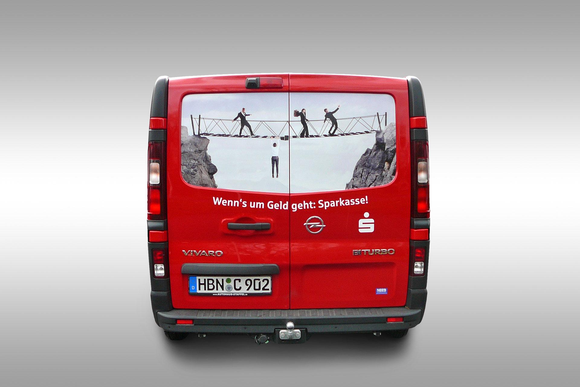 Fahrzeugbeklebung Opel Vivaro der Kreissparkasse Hildburghausen - Heck