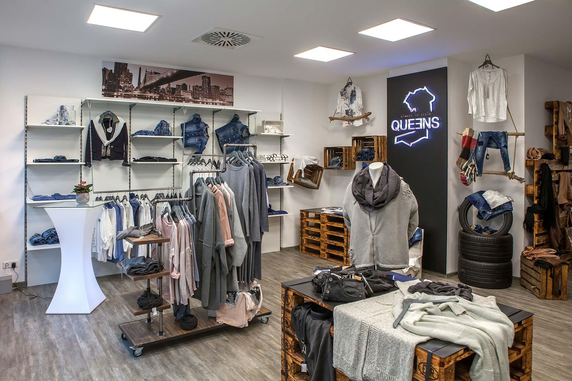 Laden/Geschäft für exklusive Damenmode in Erfurt